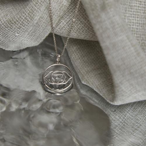 Колье 6 ЧАКРА АДЖНА большая, серебро-925